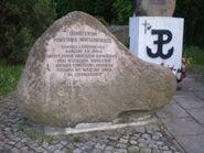 Wilanowska (kamień, A. Romocki)