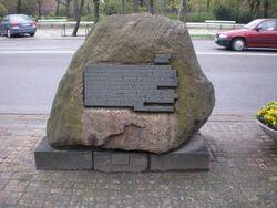 Aleje Ujazdowskie (kamień pamiątkowy)