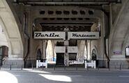 Most Poniatowskiego, Kruczkowskiego (napis Berlin Warszawa)