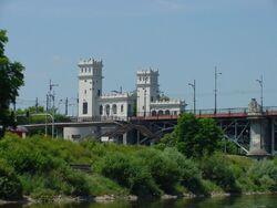 Most Poniatowskiego wieżyczki