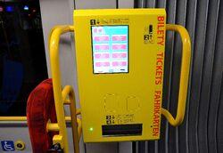 Biletomat w tramwaju PESA 120Na Swing
