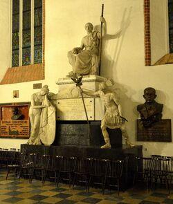 Pomnik Stanisława Małachowskiego Katedra św. Jana