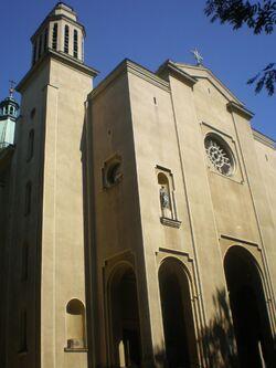 Kościół św. Piotra i Pawła (Nowogrodzka, fasada)
