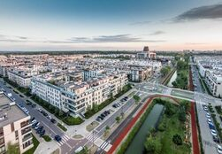 Linearny Park Klimczaka i widok na Miasteczko Wilanów Czerwiec 2015 fot