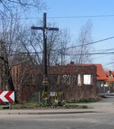 Białołęcka, Przykoszarowa (krzyż przydrożny)