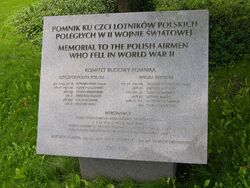 Tablica informacyjna Pomnik Poległych Lotników