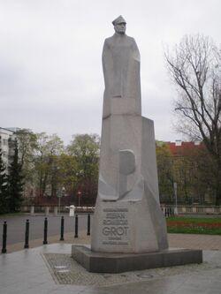 Pomnik Grota-Roweckiego