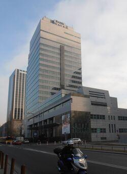Grzybowska (biurowiec, budynek nr 53-57)