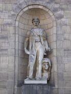 Pałac Kultury i Nauki (29, personifikacja rzeźby)