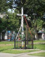 Targowa, Zamoyskiego (krzyż przydrożny)