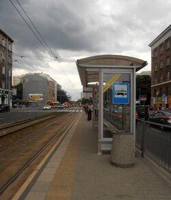 Wola-Ratusz (przystanek nr 04)