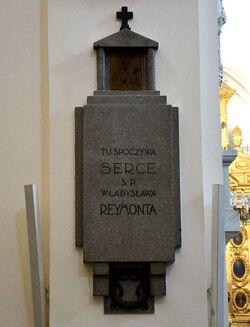 Epitafium i serce Władysława Reymonta w kościele św. Krzyża