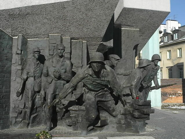 Plik:Pomnik Powstania - fragment 01.jpg