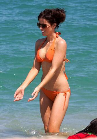 File:Keeya bikini.jpg