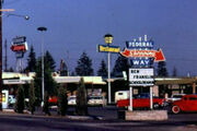 Federalwaydowntownshops195060