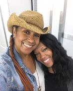 BTS of Regina King and her Make Up Artist