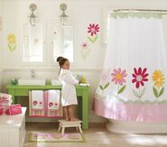 Bathroom-for-a-little-girl-1-500x441