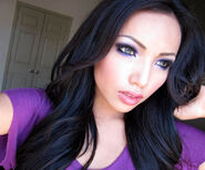 Kimkardashian-youtube-makeup-celebrity-promise-pham