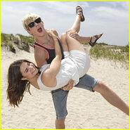 Ross-lynch-maia-mitchell-movies-beach-ny