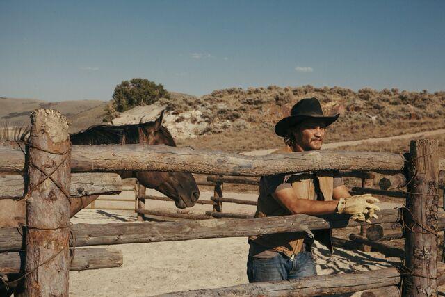 File:Yellowstone - Daybreak - Promo Still 6.jpg