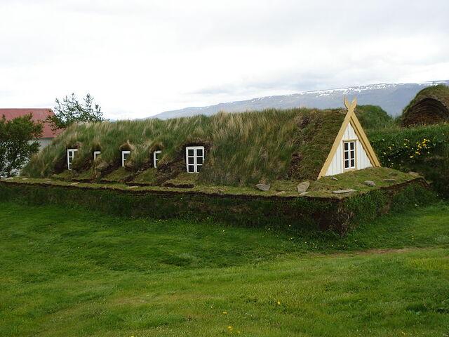 File:Icelandic turf house1.jpg