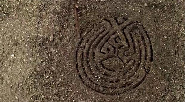 Файл:Westworld Map drawn in sand.jpg