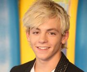 Ross Lynch11