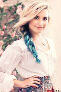 Demi-Lovato-Blue-Dip-Dyed-Side-Swept-Braid-Hairstyle