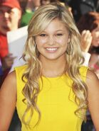 Olivia-holt-premiere-the-odd-life-of-timothy-green-01