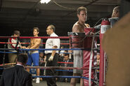 4x09-NealPeterBoxing