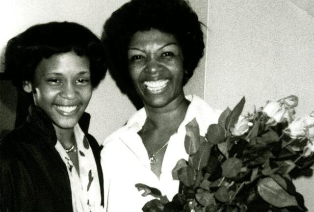 File:Whitney-CissyHouston.jpg