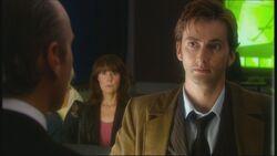 Doktor rozmawia z Krillitanem (Zjazd absolwentów)
