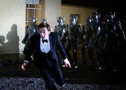 Doktor ucieka przed Cybermanami (Wiek stali)