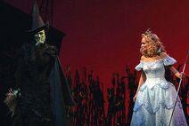 Elphaba vs Glinda