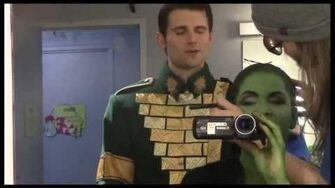 "Fly Girl Backstage at ""Wicked"" with Lindsay Mendez, Episode 11 Surprise Holiday Special!-2"