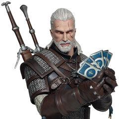 Figurka Geralta grającego w Gwinta od Dark Horse