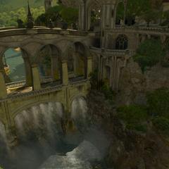 Elficki most łączący miasto z pałacem