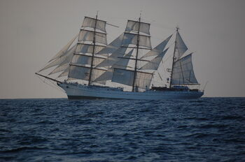 Cuauhtemoc under sails 2007