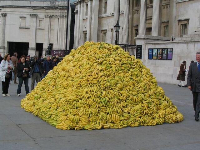 File:Bananas pile-4381.jpg