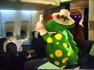DorothyandHenryonQantasAirplane