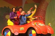 2010-10-21-the-wiggles-dmh-essar-anniversary