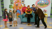 Emma'sMissingBow(TVSeries8)-Wigglehouse15