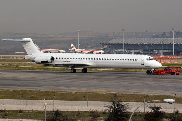 File:McDonnell Douglas MD-83 Swiftair EC-LTV (8415403452).jpg