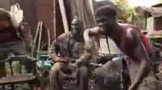 قرد يقاتل بسلاح الكلاشنكوف Monkey fighting with a weapon AK 47