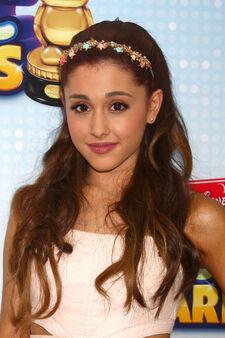 Ariana-grande-hair-2013-04-27