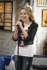 Naomi Singing
