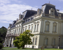Palace of Pisona