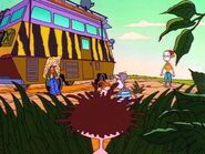 The Wild Thornberrys ComVee by some bushes