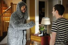 Wilfred-FX-2012-Episode-6-Avoidance-2-550x366
