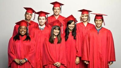 Glee-season-3-finale-graduation-goodbye